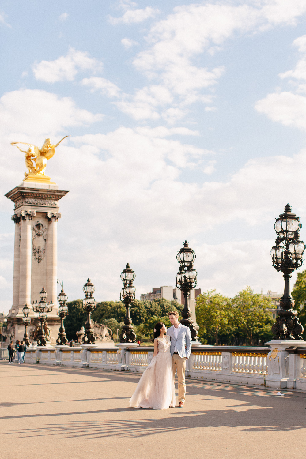 paris wedding photographer photographe mariage engagement session